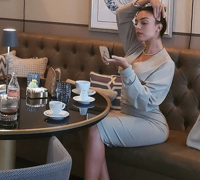 Georgina Rodríguez sai do isolamento com look de 1300 euros