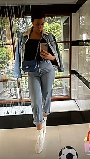 O look casual de Georgina... de mais de 1400 euros